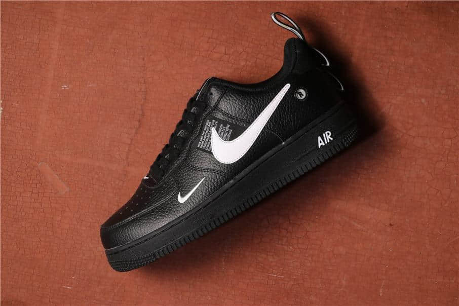 Nike Air Force 1 Low黑白双勾 耐克公司级空军一号经典低帮内置气垫简版 货号:A