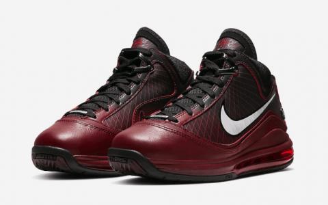 """全家族尺码回归!Nike LeBron 7"""" 圣诞节""""配色明日发售! 货号:CU5133-600"""