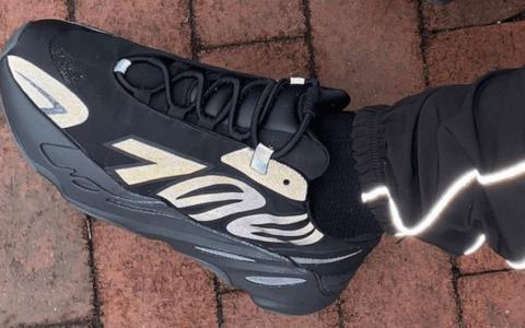 """反光效果首度曝光!adidas Yeezy Boost 700 MNVN """"Triple Black""""将于2月8日发售! 货号:FV4440"""