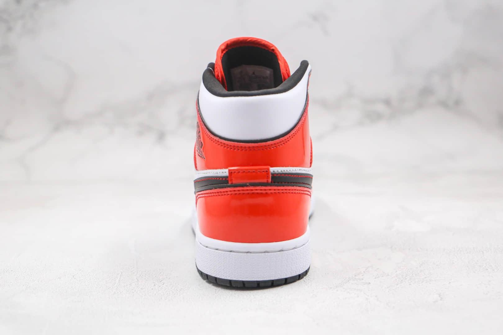 乔丹Air Jordan 1 Mid Turf Orange纯原版本中帮AJ1白红黑线勾勒篮球鞋原档案数据开发 货号:DD6834-802