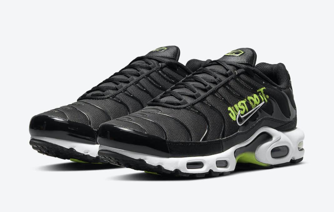 Nike Air Max Plus新配色曝光!侧身涂鸦+银边Swoosh有点酷! 货号:DJ6876-001
