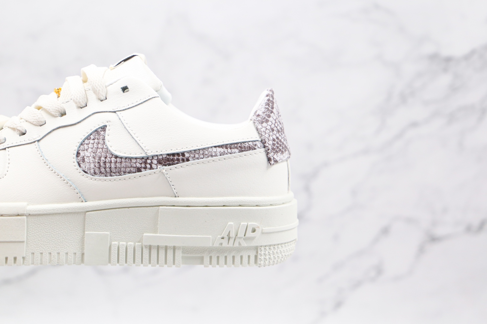 耐克Nike Air Force 1 Pixel SE纯原版本低帮空军一号蛇皮纹波点白色解构板鞋原楦头纸板打造 货号:CV8481-101