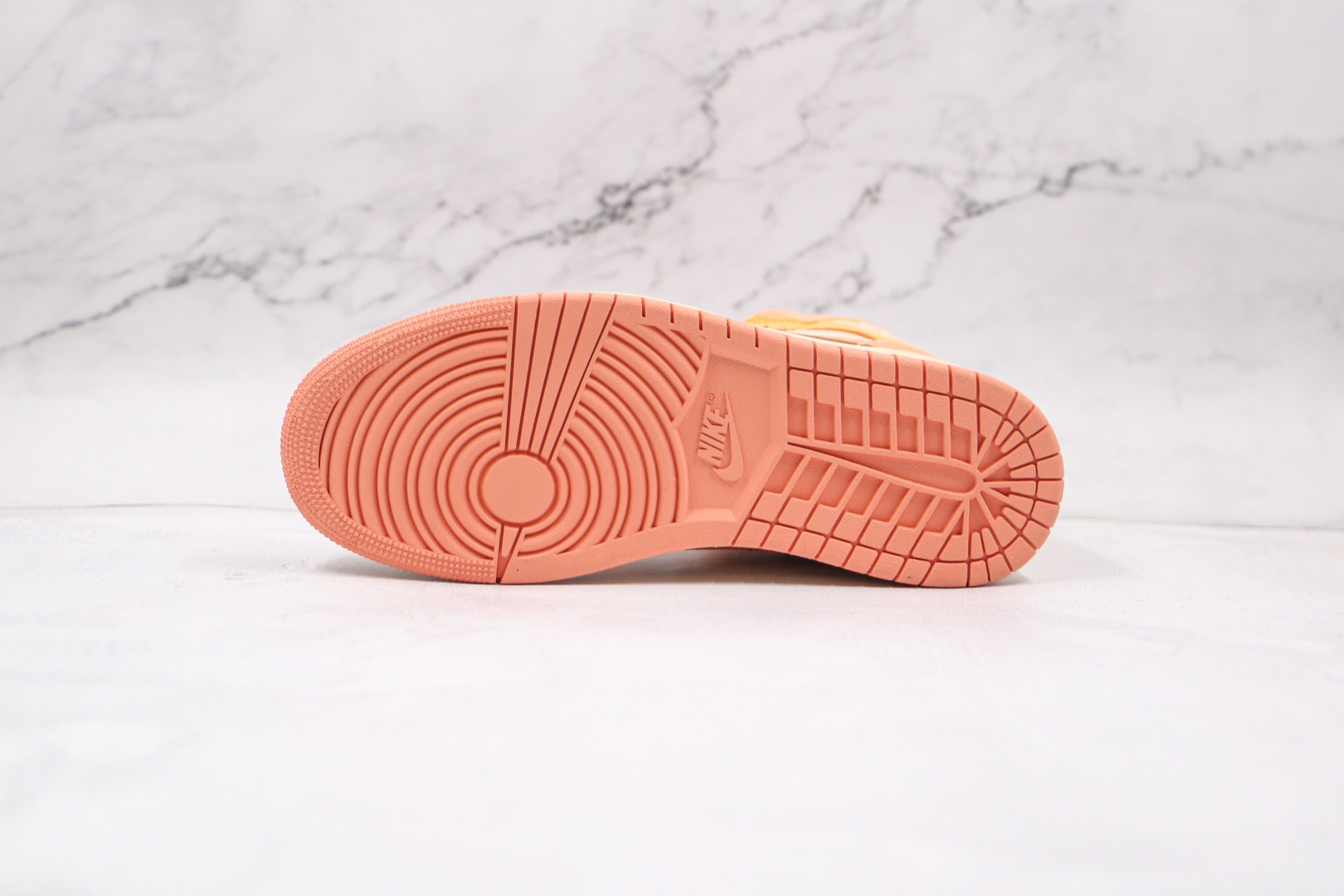 乔丹Air Jordan 1 Mid Apricot Orange纯原版本中帮AJ1杏橙色篮球鞋原鞋开模一比一打造 货号:DH4270-800