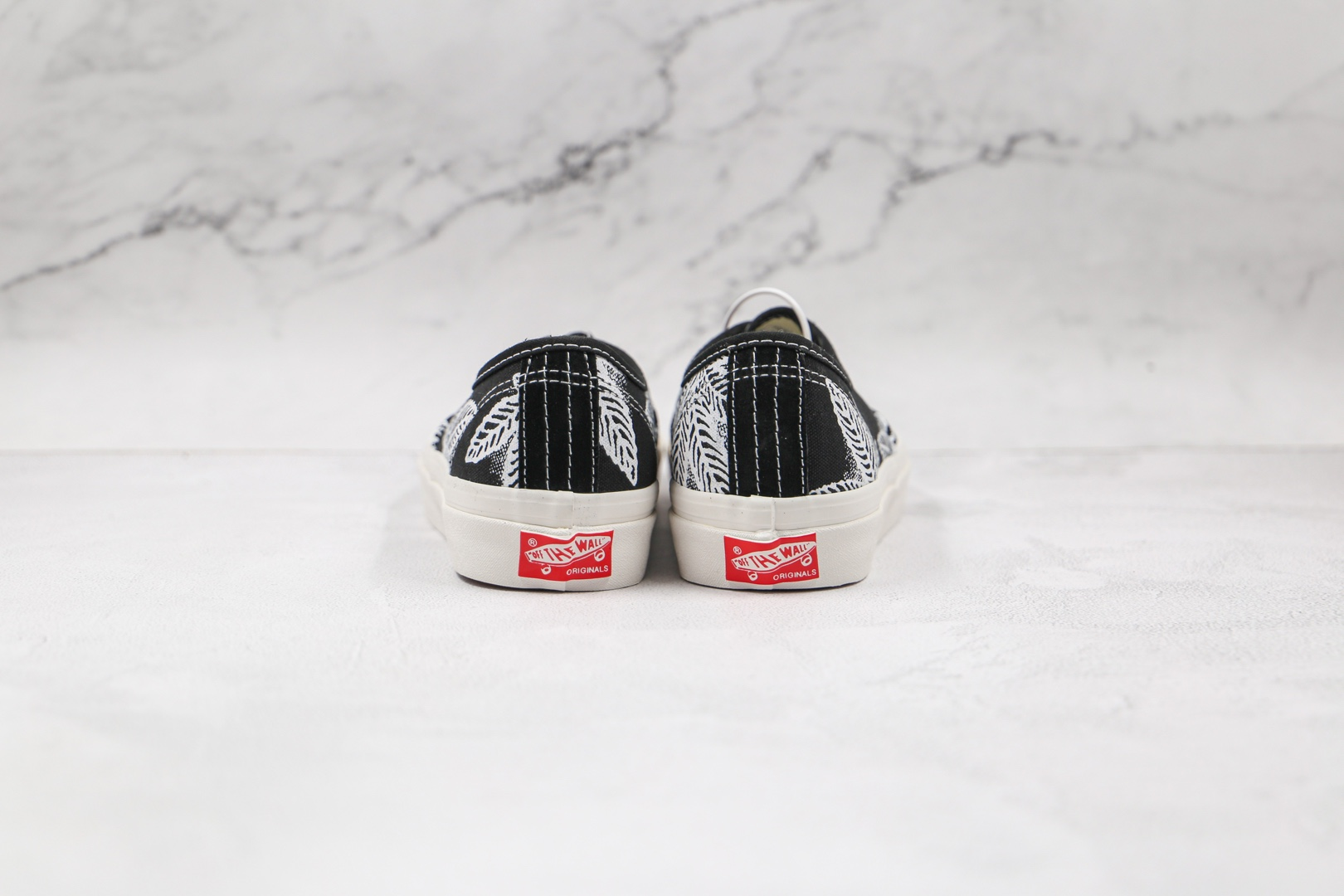 万斯Vans Vault OG Authentic LX公司级版本低帮麻叶黑白色硫化帆布鞋原楦头纸板打造