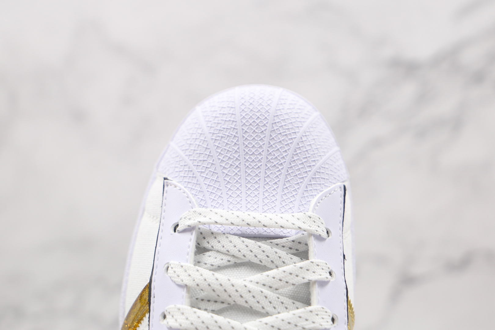 阿迪达斯adidas Originals Superstar纯原版本三叶草贝壳头板鞋白金色区别市面通货 货号:GX7915