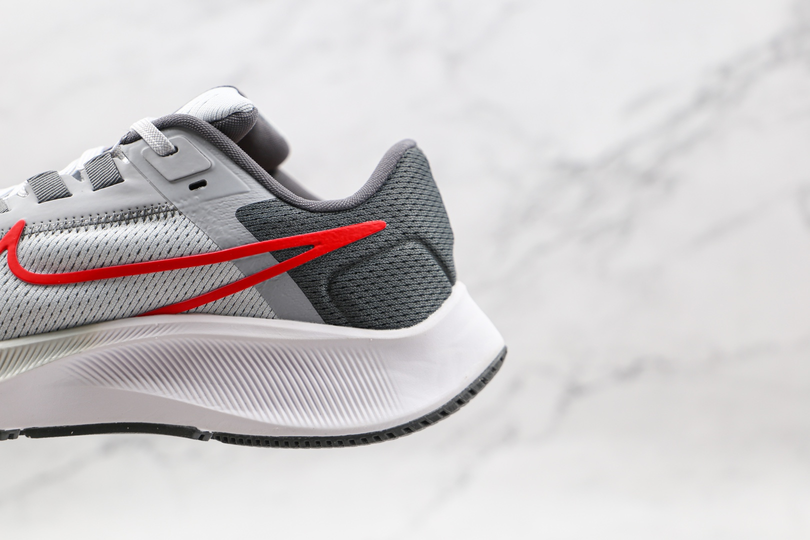 耐克Nike Air Zoom Pegasus 38纯原版本登月38代白灰色红钩慢跑鞋原鞋开模一比一打造 货号:CW7356-004
