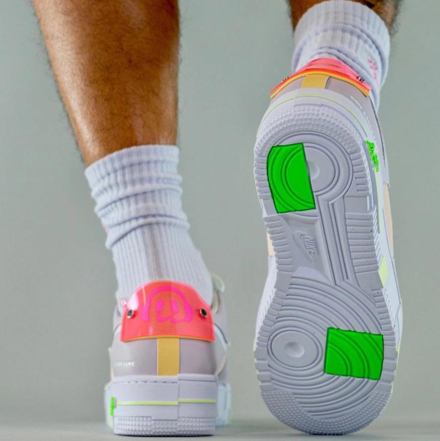 夜光细节针不戳!马卡龙LPL x Nike AF1 Pixel上脚图释出! 货号:DO2330-511