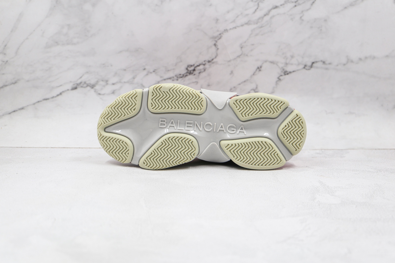 巴黎世家Balenciaga Triple S纯原版本初代灰红色老爹鞋原档案数据开发