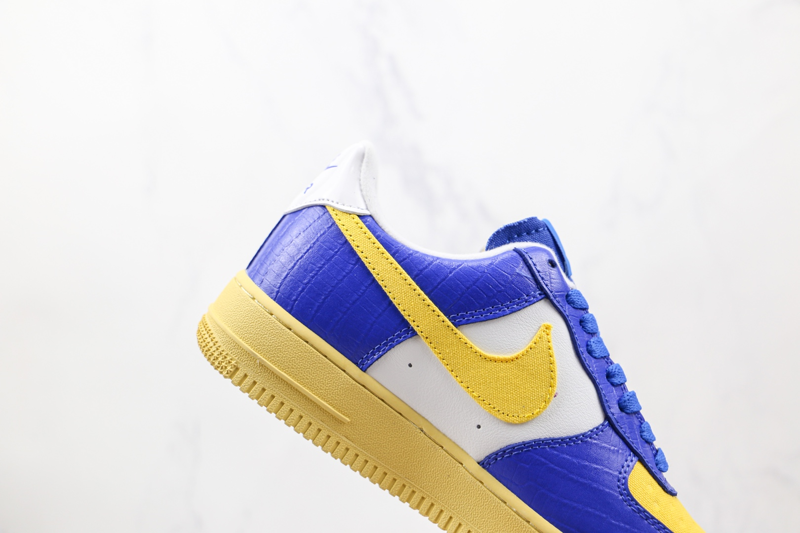 耐克Nike Air Force 1 Dunk vs AF-1 x Undefeated联名款纯原版本低帮空军一号蓝黄色板鞋内置气垫 货号:DM8462-400