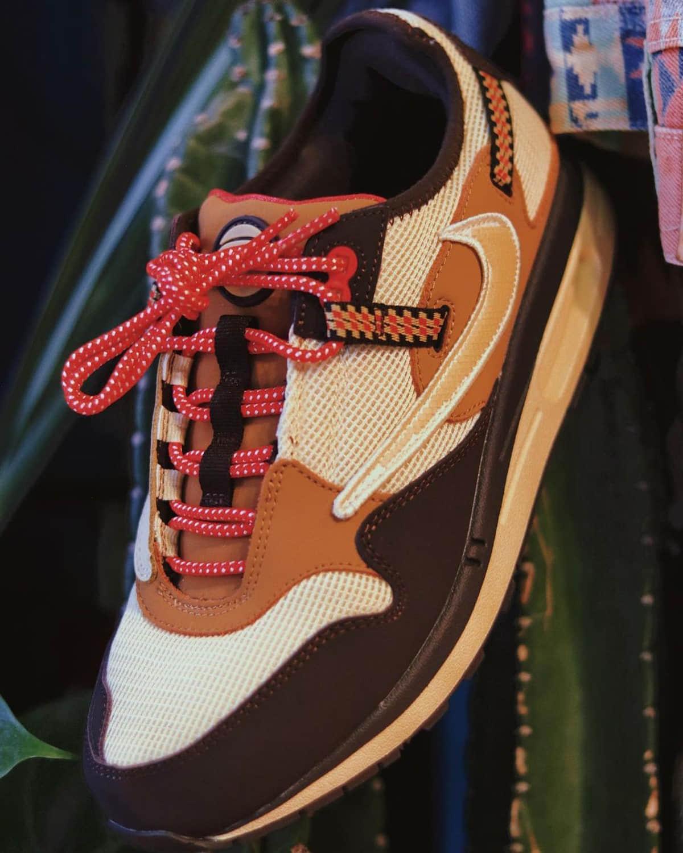 TS倒钩联名Air Max 1最新上脚图曝光!鞋迷们又要掏钱包了! 货号:DO9392-700