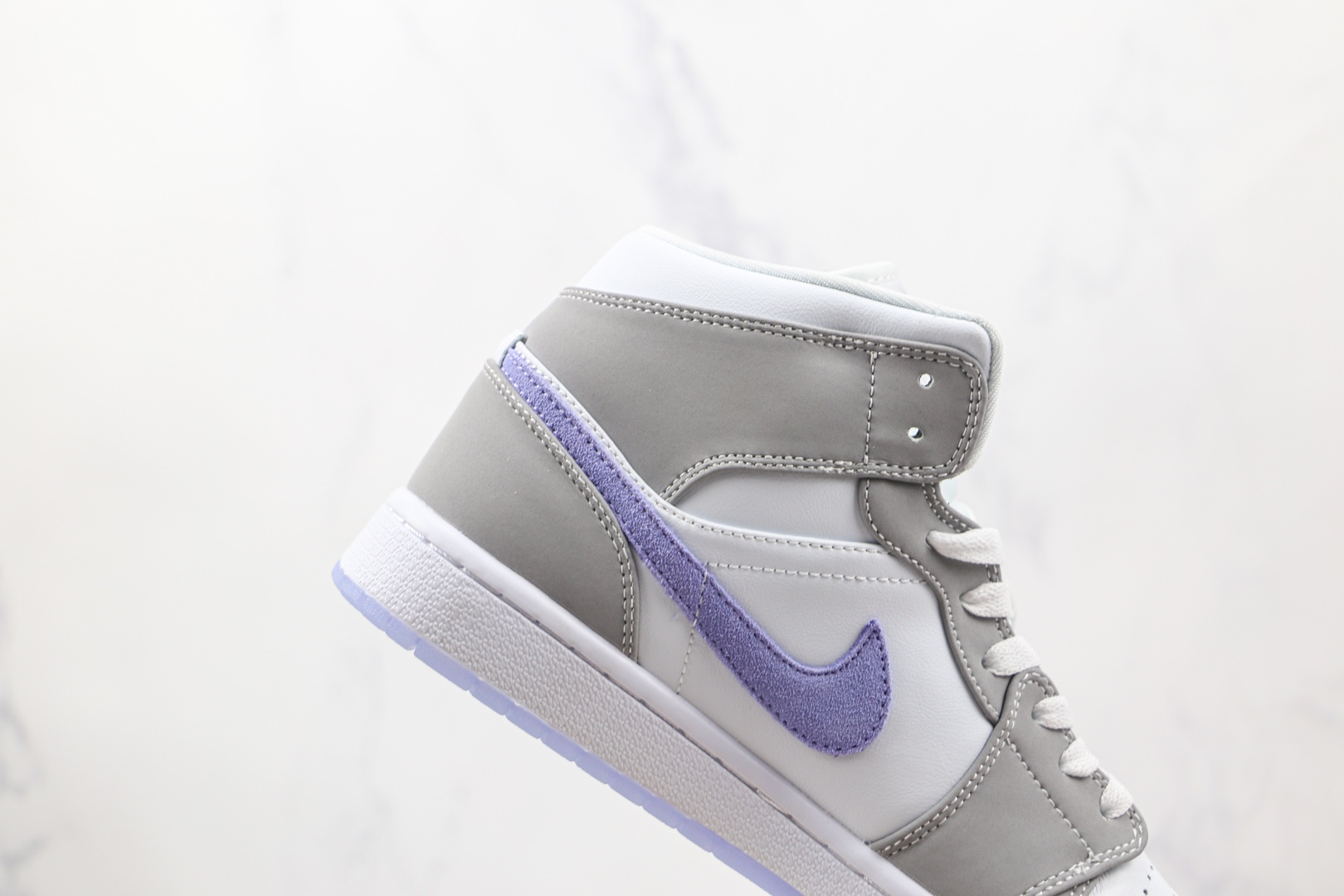 乔丹Air Jordan 1 Mid Wolf Grey纯原版本中帮AJ1白灰蓝色篮球鞋原楦头纸板打造 货号:BQ6472-105