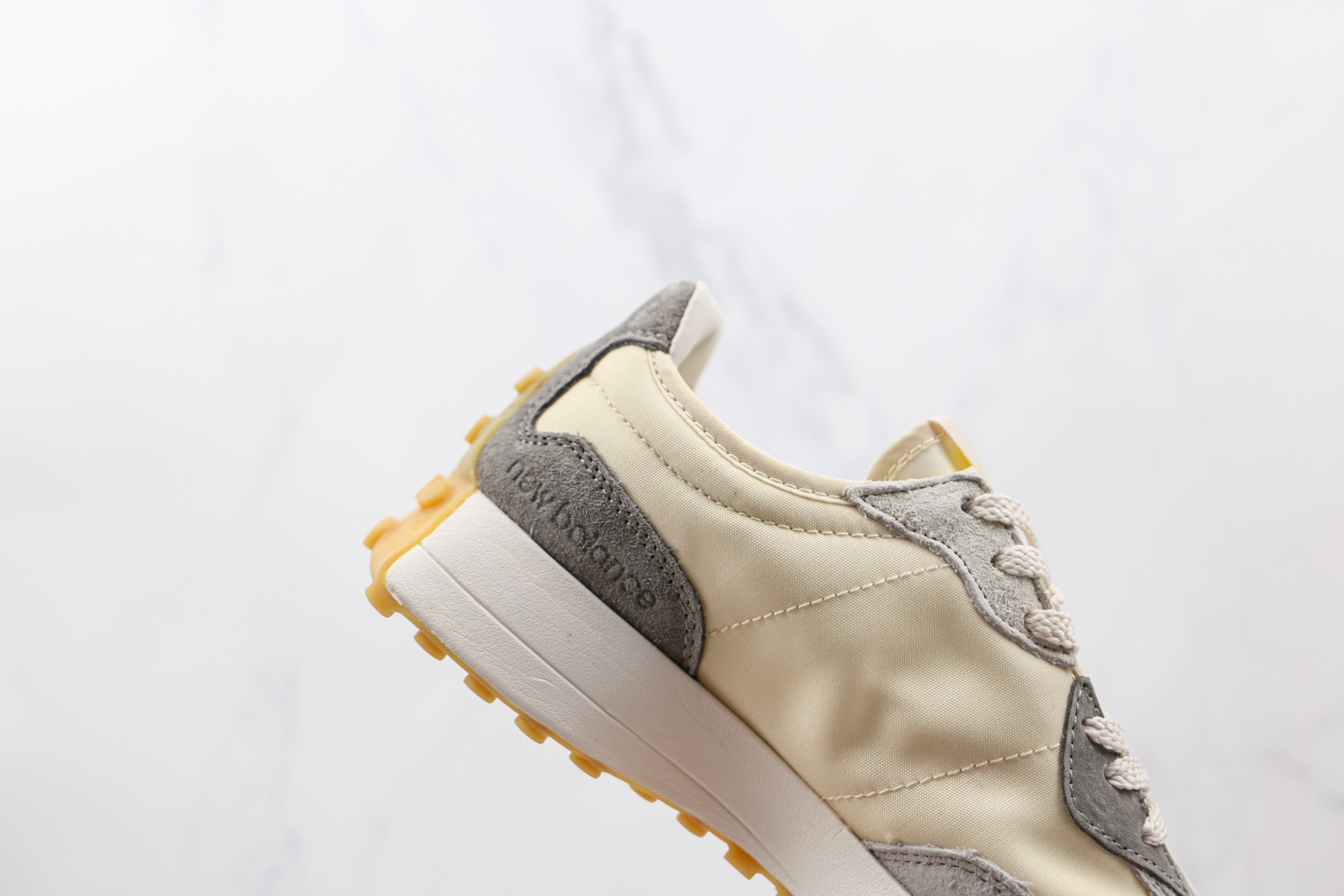 新百伦New Balance 327纯原版本网面米黄色NB327复古慢跑鞋原楦头纸板打造 货号:WS327JTL