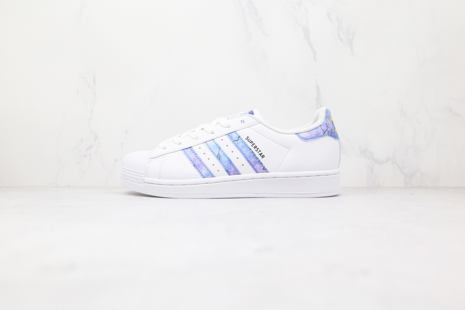 阿迪达斯adidas Superstar Abalone纯原版本三叶草贝壳头白蓝紫色蓝绿紫渐变激光镭射板鞋原档案数据开发 货号:GZ5217